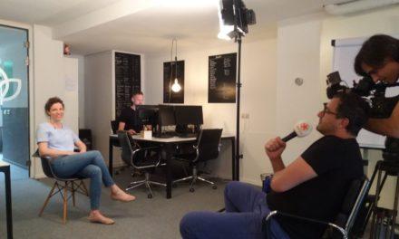 Mental coach helpt Hazes met huilende baby André – SBS6 – Shownieuws